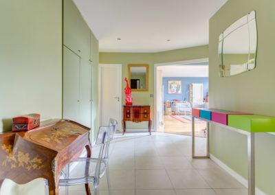 Décoration Appartement familial à Neuilly - L'entrée et ses meubles de style, par Béatrice Elisabeth, Décoratrice UFDI à Neuilly et Paris