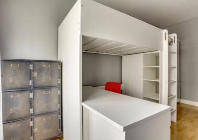 Décoration Chambre de garçon à Neuilly - Casier de rangement, par Béatrice Elisabeth, Décoratrice UFDI à Neuilly et Paris