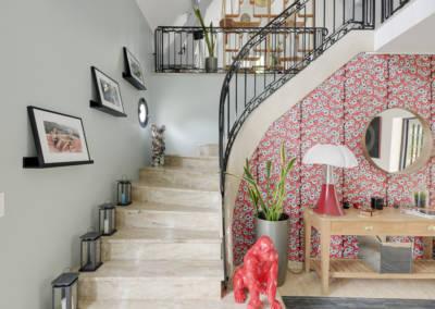 Décoration Maison à Marne la Coquette - Un escalier pour les tableaux, par Béatrice Elisabeth, Décoratrice UFDI à Neuilly et Paris