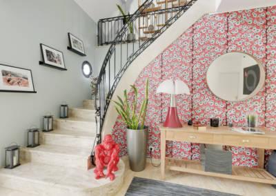 Décoration Maison à Marne la Coquette - Une entrée avec 2 miroirs ronds, par Béatrice Elisabeth, Décoratrice UFDI à Neuilly et Paris