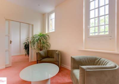 Décoration d'une maison à Garches - La chambre et son petit salon, par Béatrice Elisabeth, Décoratrice UFDI à Neuilly et Paris