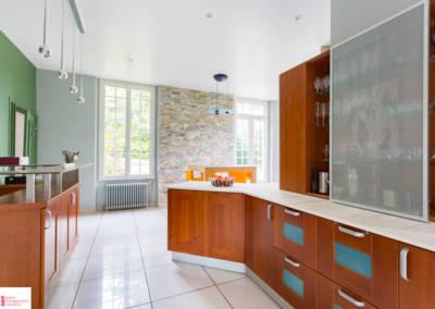Décoration d'une maison à Garches - La cuisine - zone de rangement, par Béatrice Elisabeth, Décoratrice UFDI à Neuilly et Paris