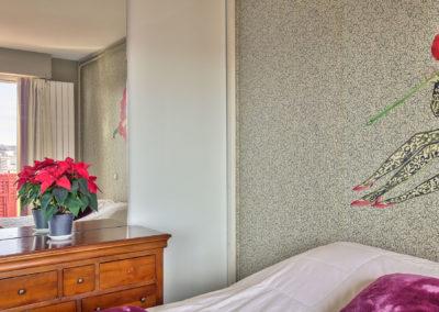Rénovation appartement Paris 19 - Détail de la tête de lit, par Béatrice Elisabeth, Décoratrice UFDI à Neuilly et Paris