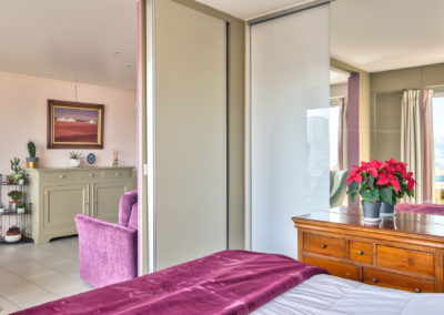 Rénovation appartement Paris 19 - Vue de la chambre vers le salon, par Béatrice Elisabeth, Décoratrice UFDI à Neuilly et Paris