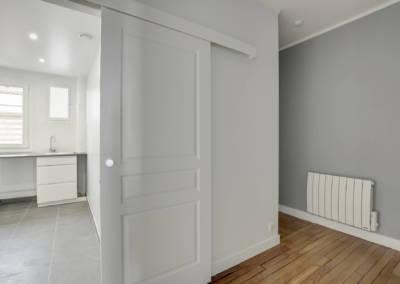 Rénovation appartement à Courbevoie - Circulation avec la cuisine, par Béatrice Elisabeth, Décoratrice UFDI à Neuilly et Paris