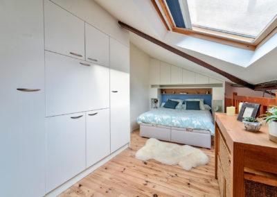 Décoration Appartement à Suresnes - Etage - La chambre et ses rangements optimisés, par Béatrice Elisabeth, Décoratrice UFDI à Neuilly et Paris