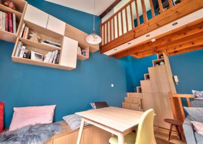 Décoration Appartement à Suresnes - Rez de Chaussée - Escalier aménagé avec coin travail et rangements, par Béatrice Elisabeth, Décoratrice UFDI à Neuilly et Paris