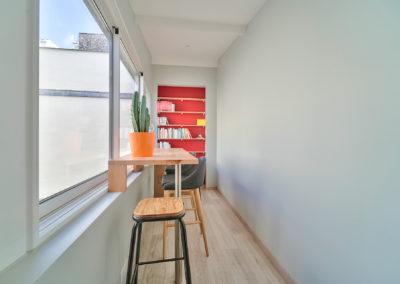 Espace de FormationParis 12 - Le petit salon de travail avec vue sur le patio, par Béatrice Elisabeth, Décoratrice UFDI à Neuilly et Paris