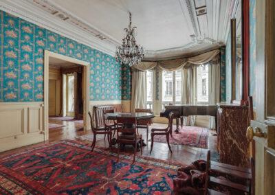 Appartement de style à Paris 7ème - Le salon de musique avant travaux, par Béatrice Elisabeth, Décoratrice UFDI à Neuilly et Paris