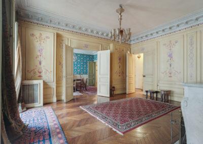 Appartement de style à Paris 7ème - le salon avant travaux, par Béatrice Elisabeth, Décoratrice UFDI à Neuilly et Paris
