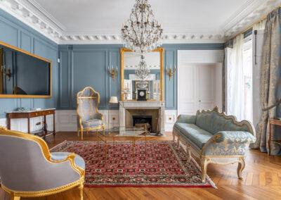 Appartement de style haussmannien à Paris 7ème - Le grand salon style Versaille, par Béatrice Elisabeth, Décoratrice UFDI à Neuilly et Paris