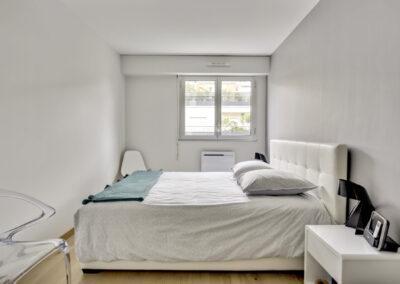 Rénovation d'un appartement à Courbevoie - La chambre fraiche et transparente, par Béatrice Elisabeth, Décoratrice UFDI à Neuilly et Paris