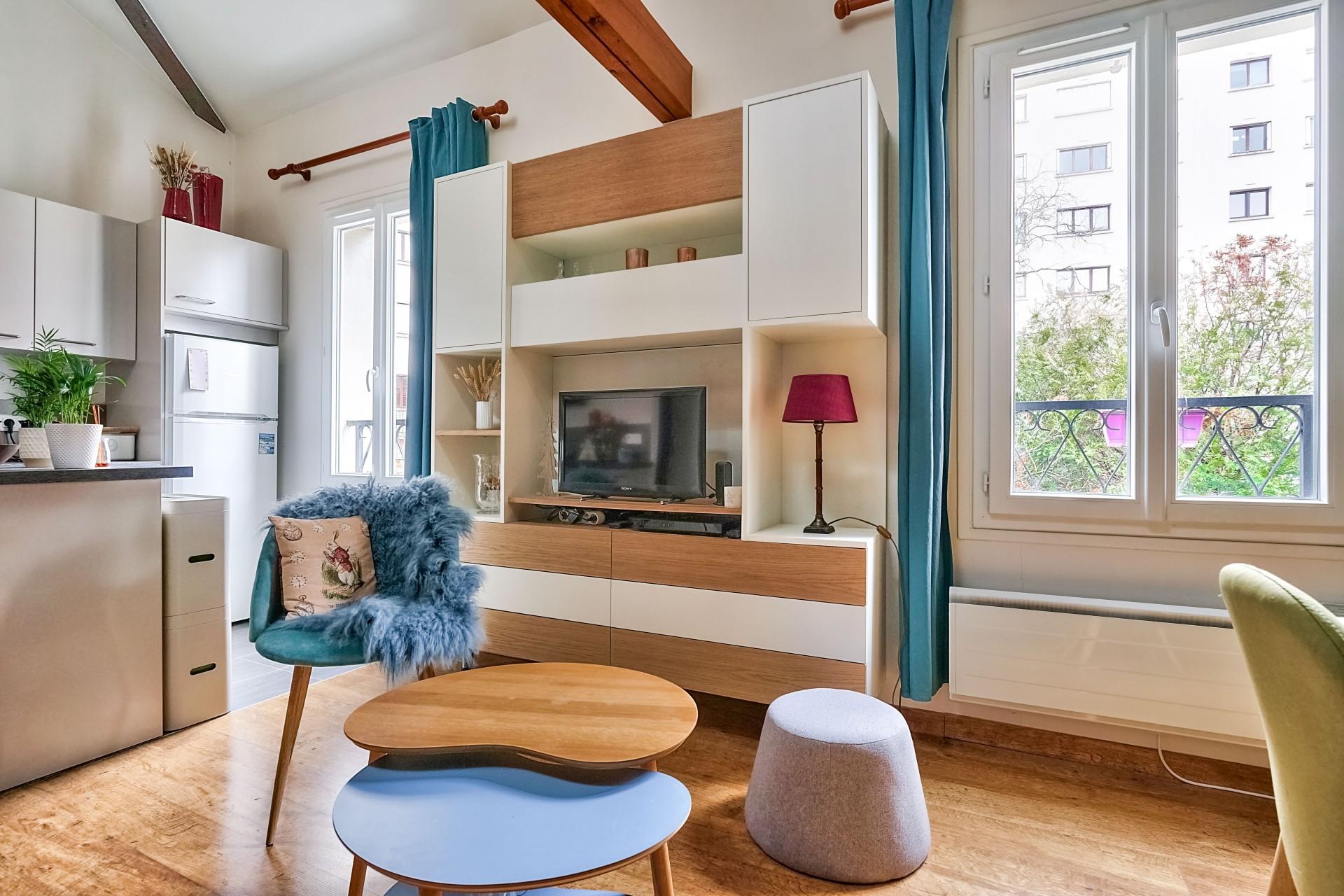 Conception d'un meuble TV sur mesure à Suresnes, par Béatrice Elisabeth, Décoratrice UFDI à Neuilly et Paris